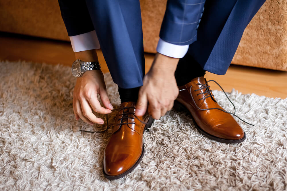 the process of selecting mens wedding shoes