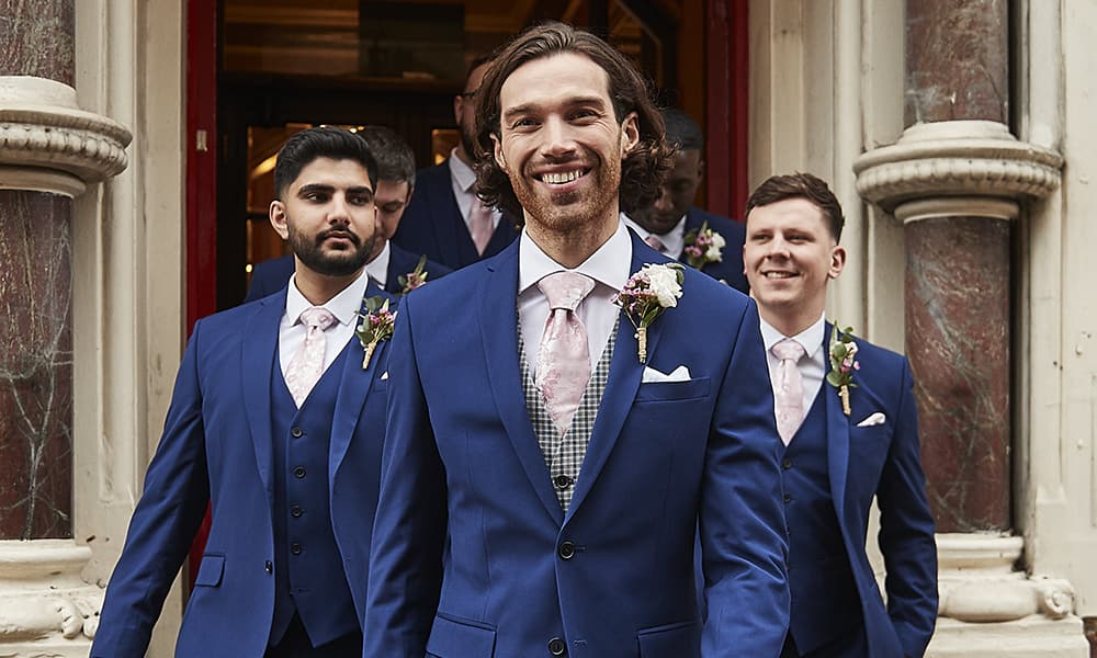 What colour shirt and tie should you wear with a blue wedding suit?