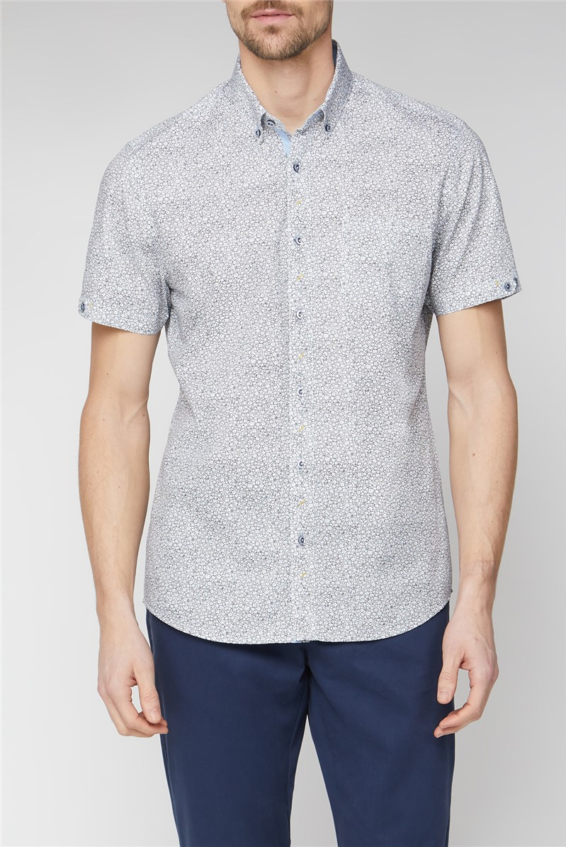 Casual White Abstract Daisy Print Shirt